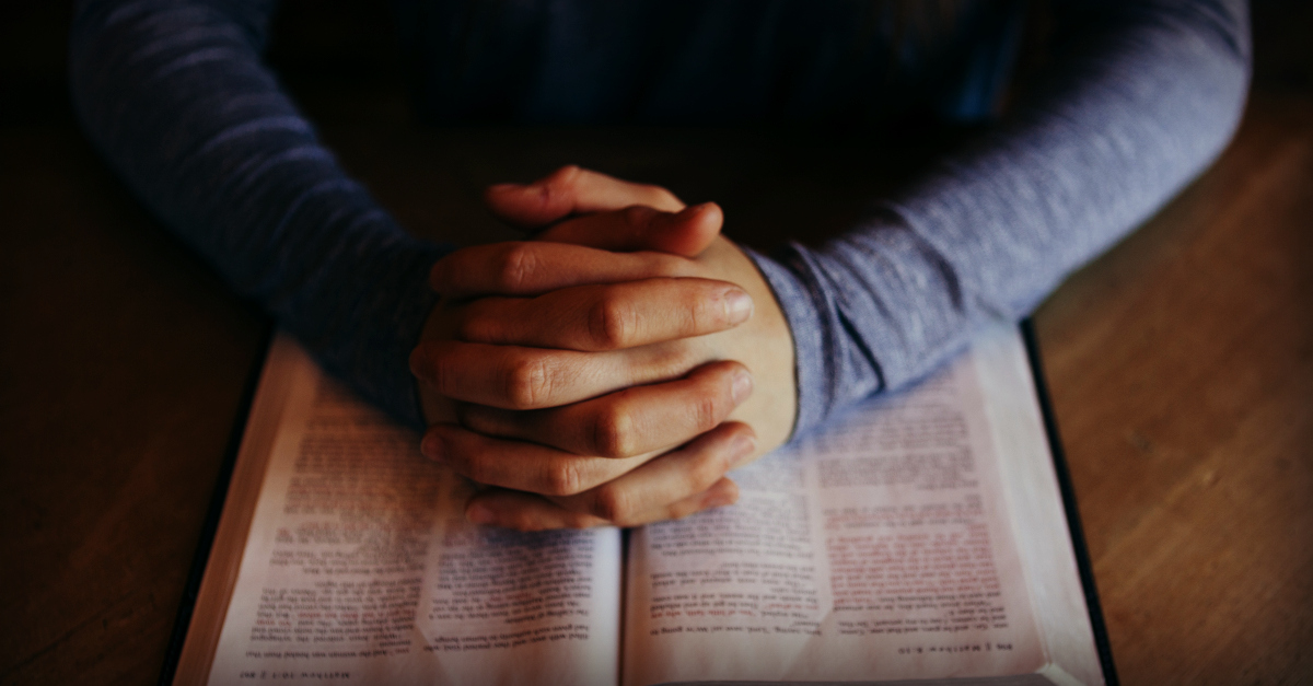 Armor of God: Fighting in Prayer | alyssajhoward.com
